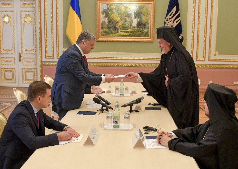Порошенко на встрече с делегацией патриарха Варфоломея: завтра будет единство всех церквей