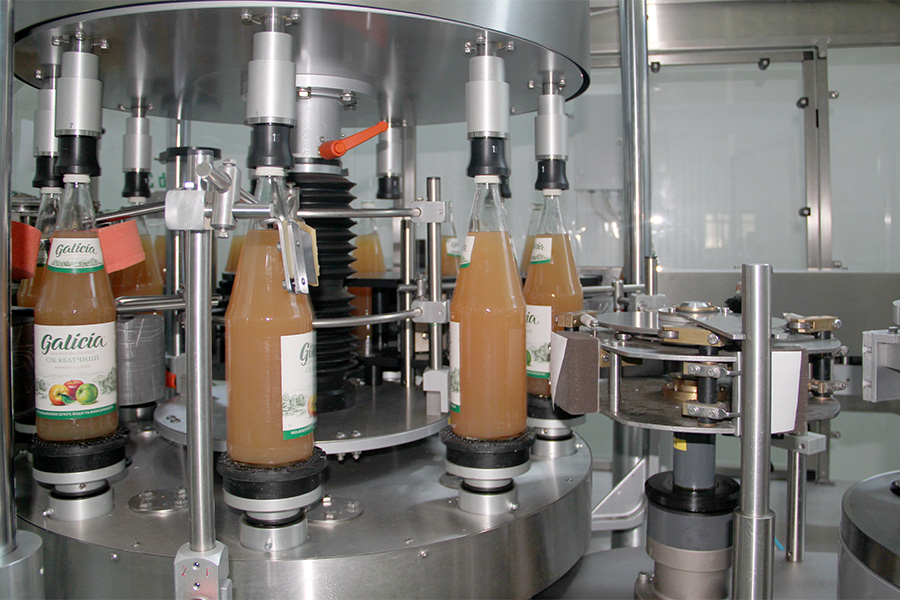 За рік ми переробляємо більше 2 тис. вагонів лише малини — Тарас Барщовський, соки Galicia