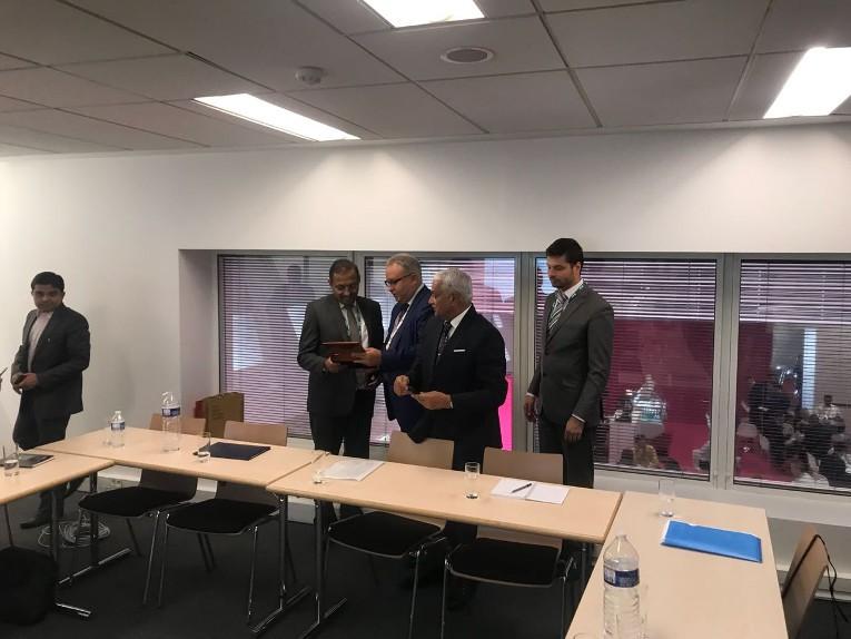 Председатель и управляющий директор PowerGrid Инду Шекхар Джа и Председатель Правления ПАО «ФСК ЕЭС»