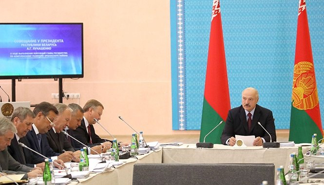 "Лукашенко меняет Кабмин Беларуси из-за ""пофигизма"""