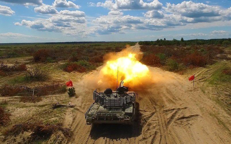 """""""Укроборонпром"""" проводит испытания танка Т-72АМТ (видео)"""