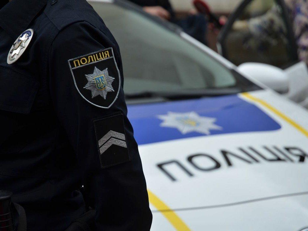В Киеве полиция предотвратил конфликт на стройке: задержали десятки вооруженных титушек