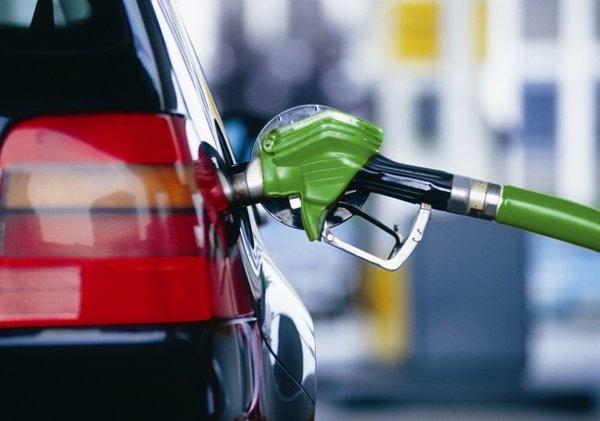 В России начал дорожать бензин в ожидании снижения акцизов