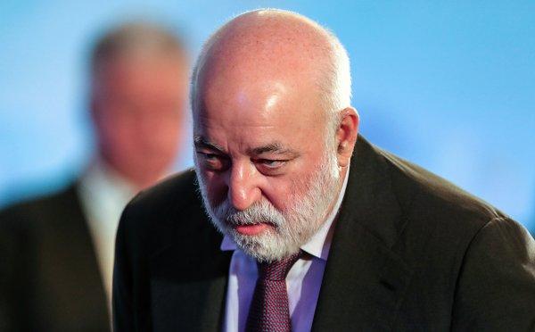Банк UBS не высказался о блокировке миллиарда франков Вексельберга