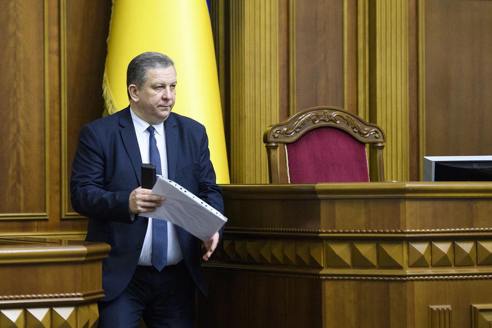 Министр соцполитики Рева пояснил, нужно ли выписывать членов семей для получения субсидии