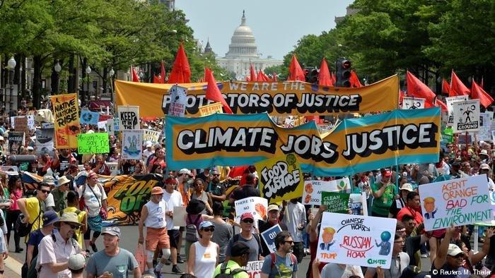 По всему миру прошли акции в защиту климата