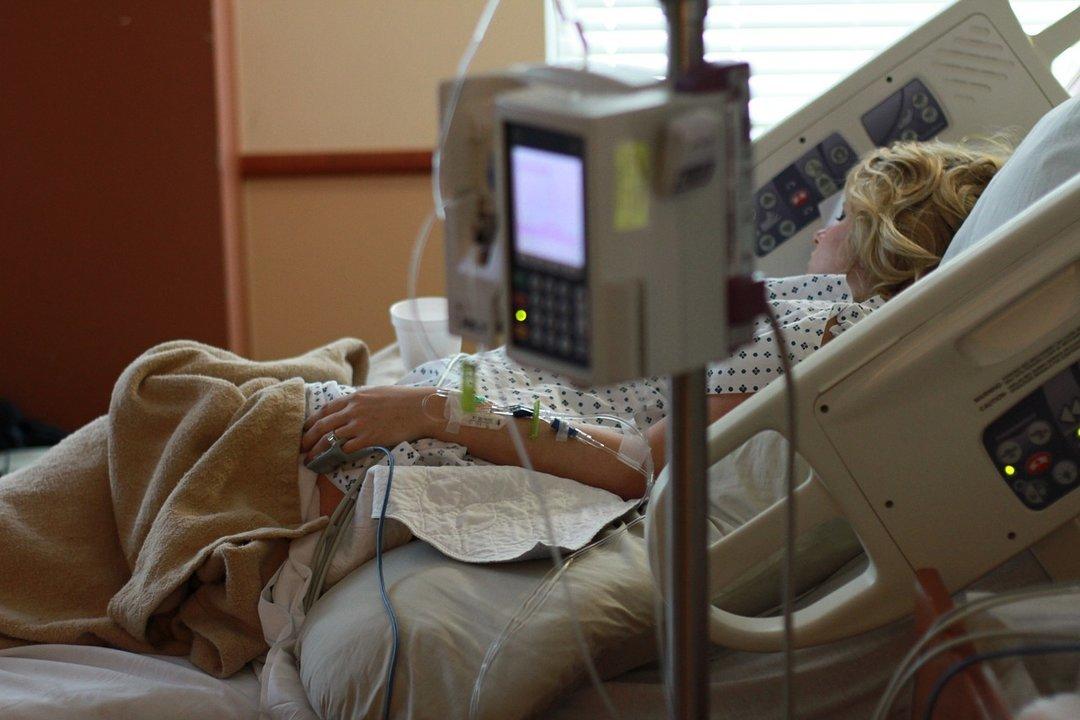 Сколько стоят роды в украинской больницах