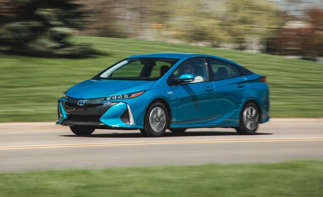 Toyota отзывает более миллиона автомобилей во всем мире из-за риска возгорания