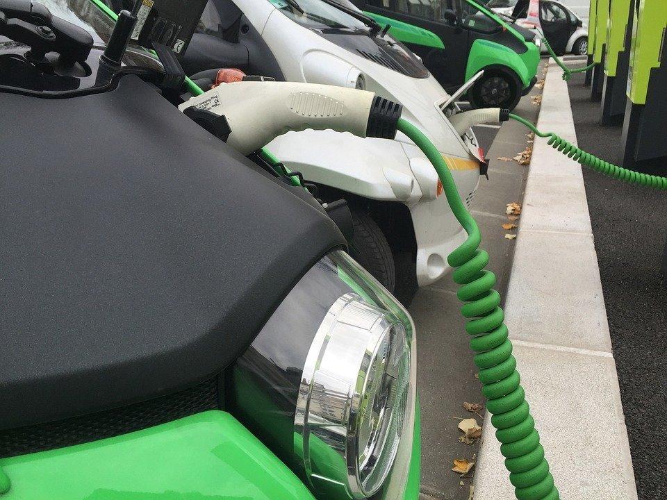 Украина не готова к запуску электромобилей-такси