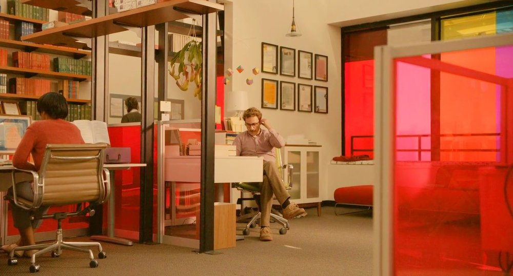 Работа мечты: 6 лучших офисных интерьеров из фильмов